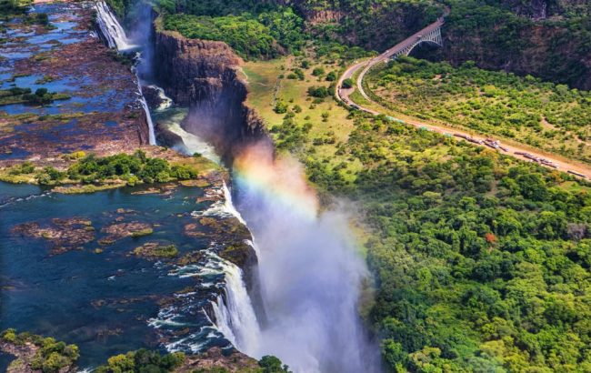 Victoria Falls: staying on the Zambian or Zimbabwean side